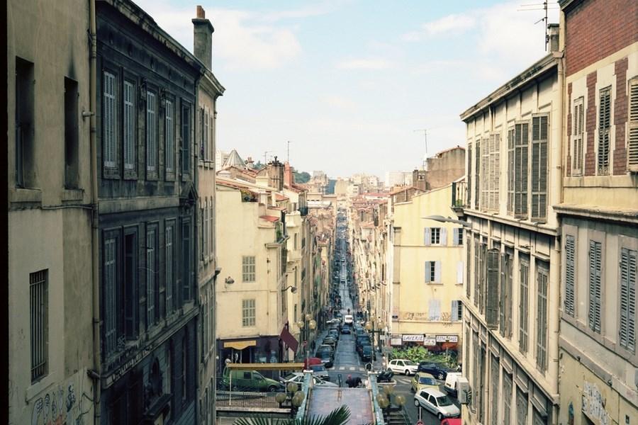 свою очередь, фото улиц марселя поразила прямота, простота