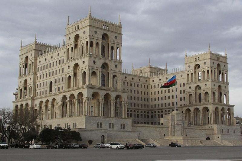 азербайджан баку знакомство зарегистрирован